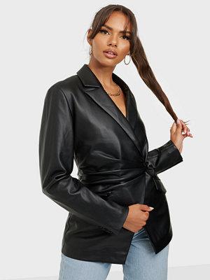 NLY Trend Draped Waist Pu Blazer