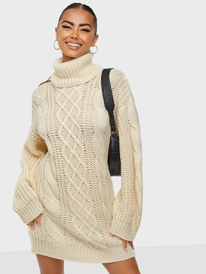 NLY Trend Long Cable Knit Sweater