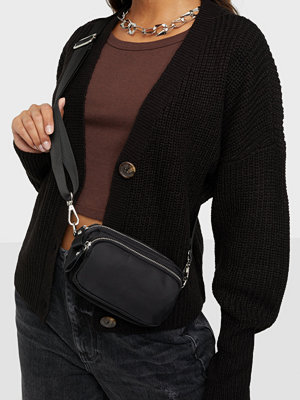 Gina Tricot svart väska Bea bag