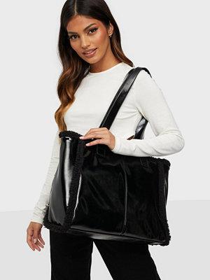Gina Tricot svart väska Celia shopper