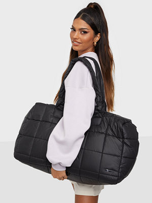 Day Et svart väska Day RE-Q XL Puffy Sporty