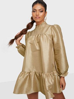 Glamorous Flounce Dress