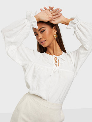 NLY Trend Structure Volume Blouse