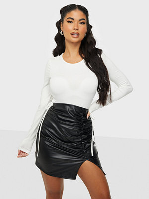NLY One Ruched Slit PU Skirt