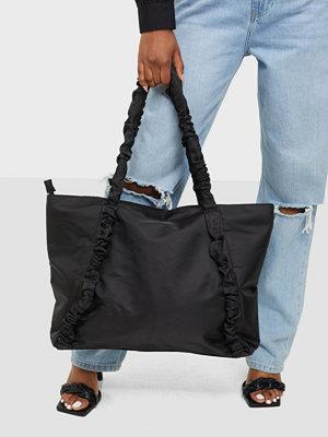 Pieces svart väska PCELISE SHOPPER