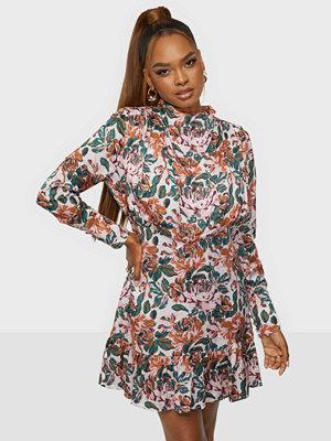 By Malina Lively dress