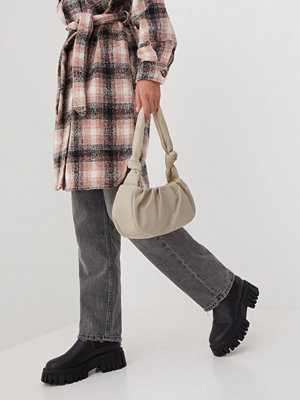 Missguided omönstrad väska Knot Detail Pouch Shoulder Bag