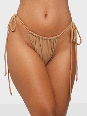 Motel Leyna Bikini Bottom