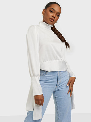 Femme Luxe Gina Blouse