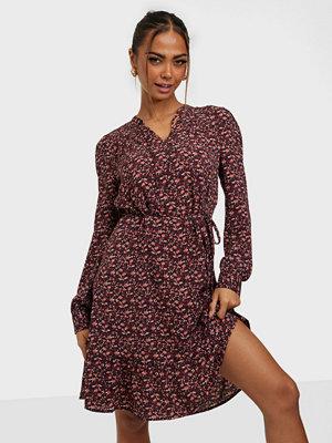 Jacqueline de Yong JDYPIPER L/S KNEE V-NECK DRESS WVN