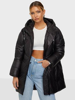 Svea W. Mid Length Shiny Jacket