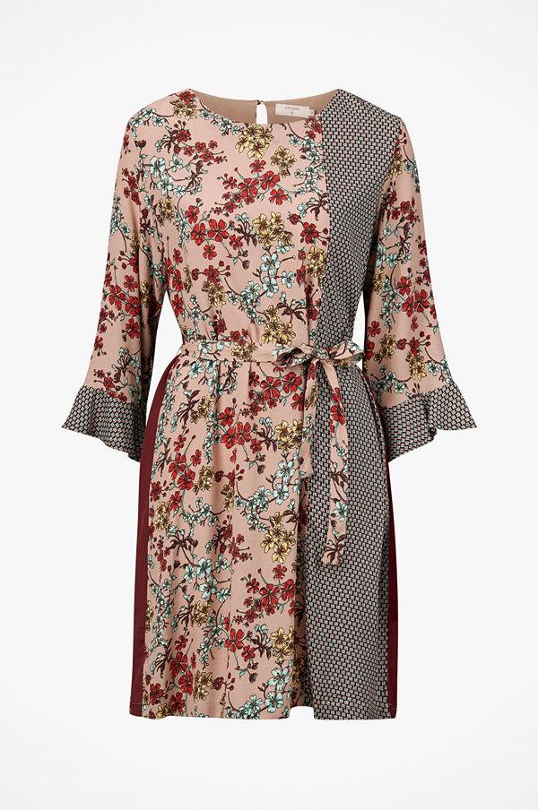 64c8eb479c6d Cream Klänning Dakota Dress - Klänningar online - Modegallerian