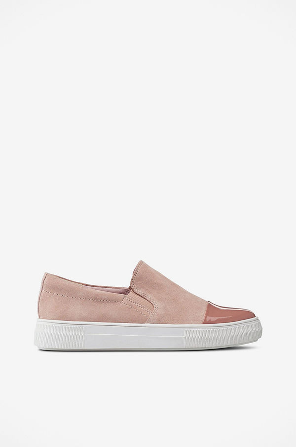 Ellos Sneakers Slip On Shiny Toe