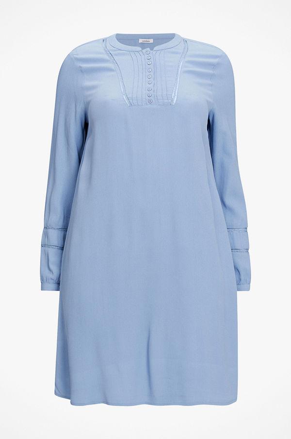 La Redoute Halvlång, utställd klänning med lång ärm