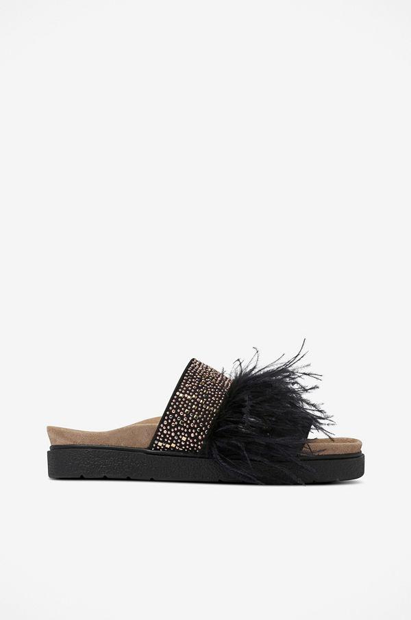 INUIKII Slippers Feathers Studs