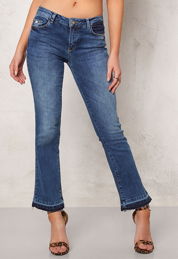 Only Nadia Cropped Flare Jeans