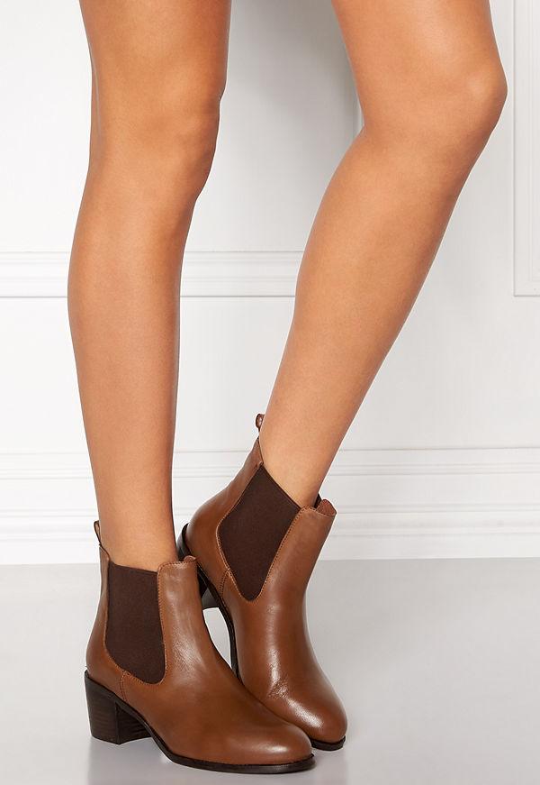 SOON Sarah chelsea boot