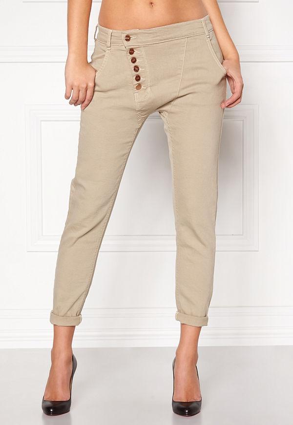 77thFLEA Deanne girlfriend jeans