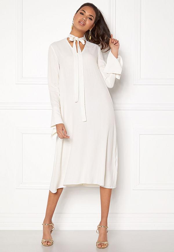 Dagmar Valencia Dress - Klänningar online - Modegallerian 4b59059253d9d
