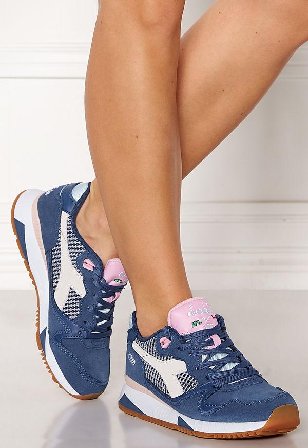 Diadora V7000 Shoes