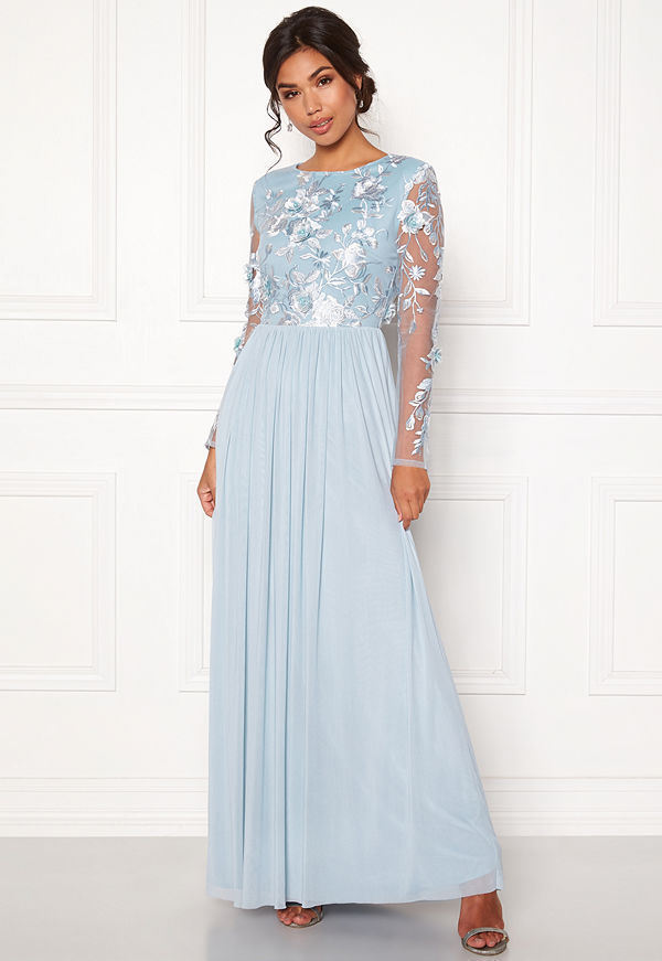 Moments New York Daisy Mesh Gown