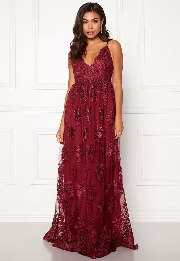 Moments New York Gardenia Lace Gown Dark wine-red