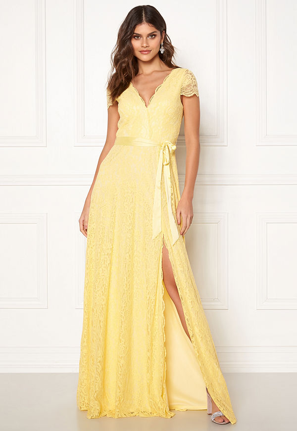 Moments New York Viola Lace Gown