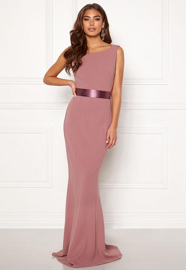 48de74252252 Bubbleroom Carolina Gynning drapy back gown - Klänningar online ...