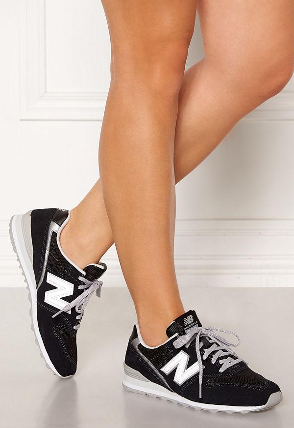 New Balance WL996 Sneakers