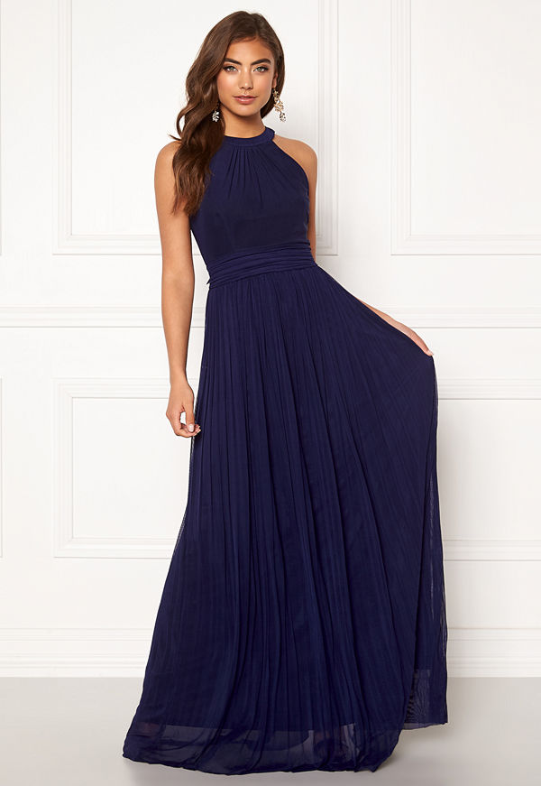 Moments New York Linnea Pleated Gown