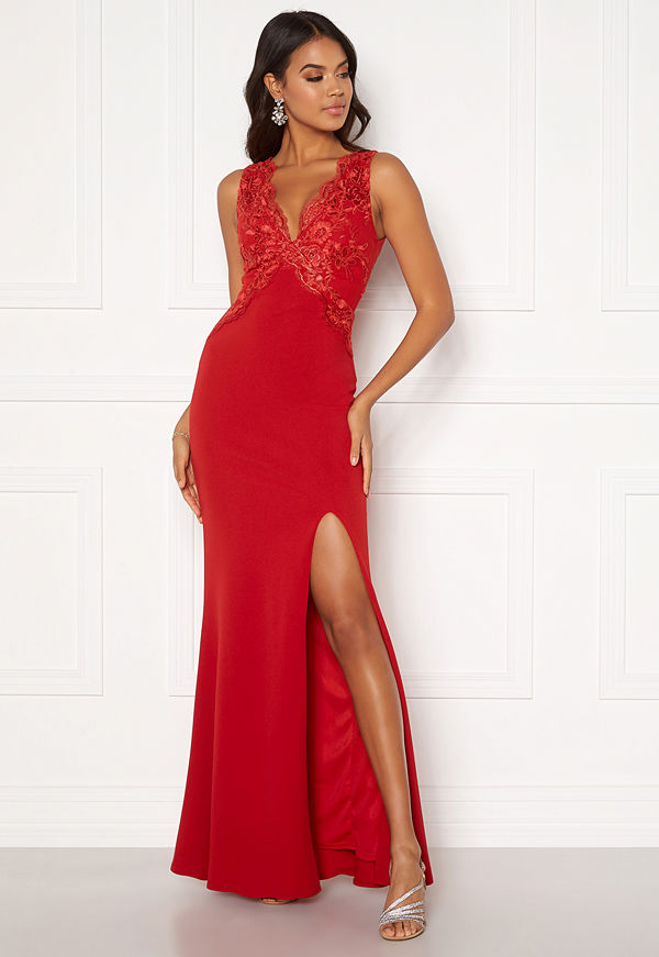 Moments New York Isabella Lace Gown Red