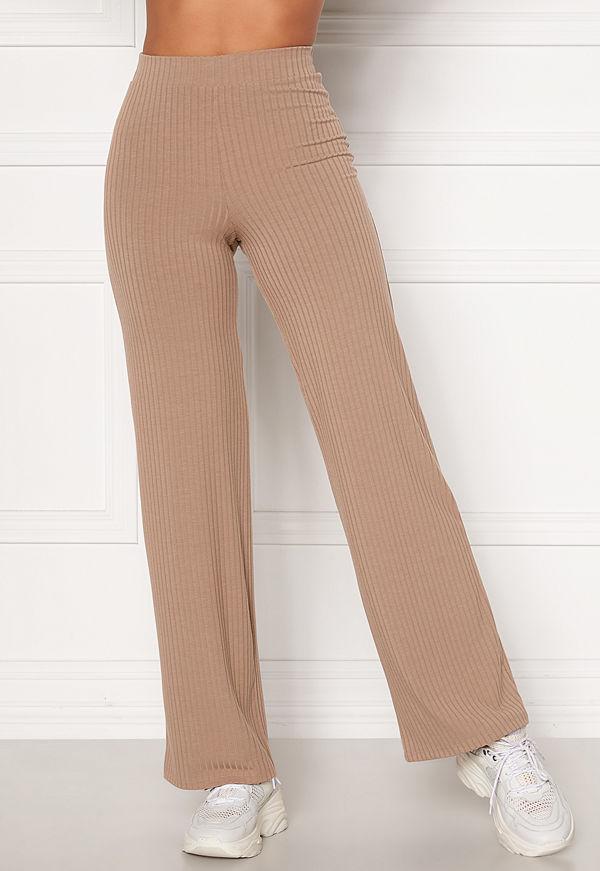 Bubbleroom beige byxor Alanya rib trousers Light nougat