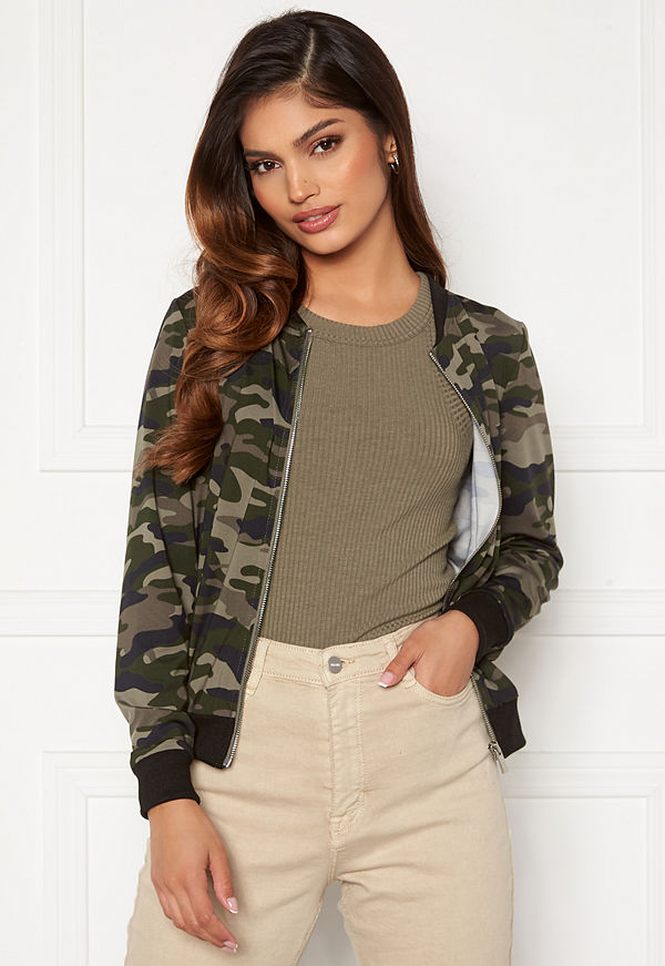 Happy Holly mönstrad bomberjacka Hanna bomber jacket Camouflage