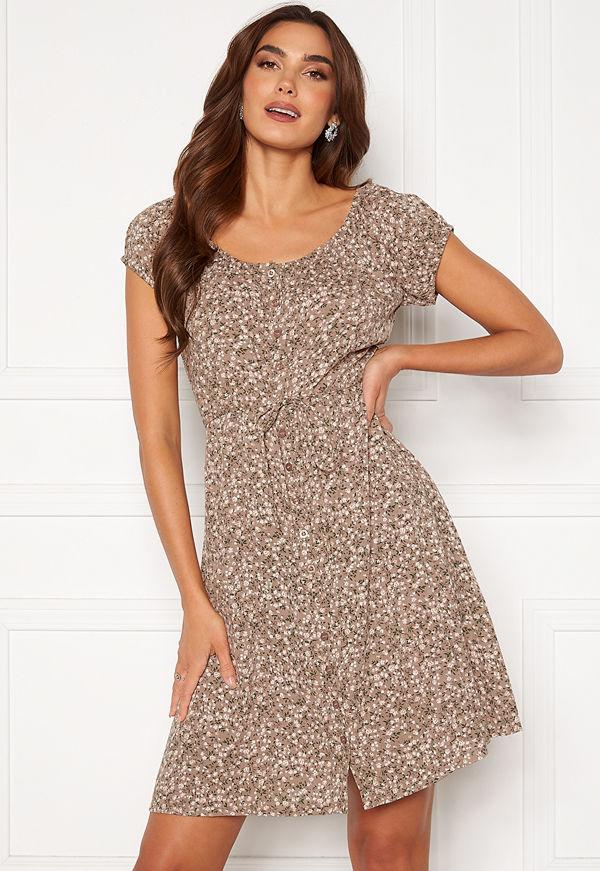 Happy Holly Rebecca flounce dress Light beige / Patterned