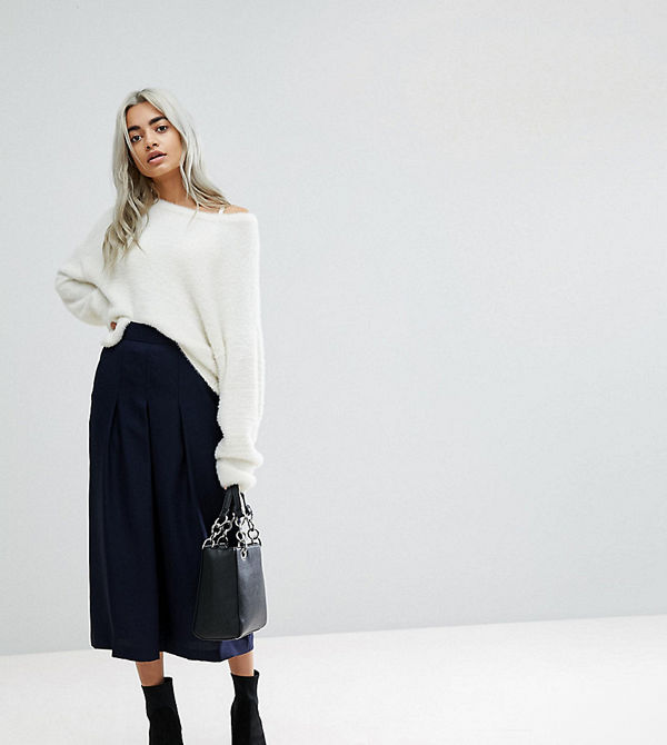 ASOS Petite Figursydd kjol med plissering - Kjolar online ... 27a682ab71836