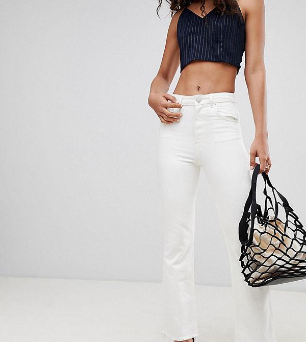 Asos Tall Egerton Benvita utsvängda jeans med kort benlängd och råkant Naturvit
