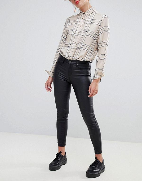 Stradivarius Överdragen push up jean - Jeans online - Modegallerian 78fb726a56ab7