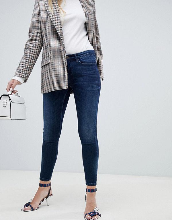 Stradivarius Skinny jeans med låg midja - Jeans online - Modegallerian af5df7526a0aa