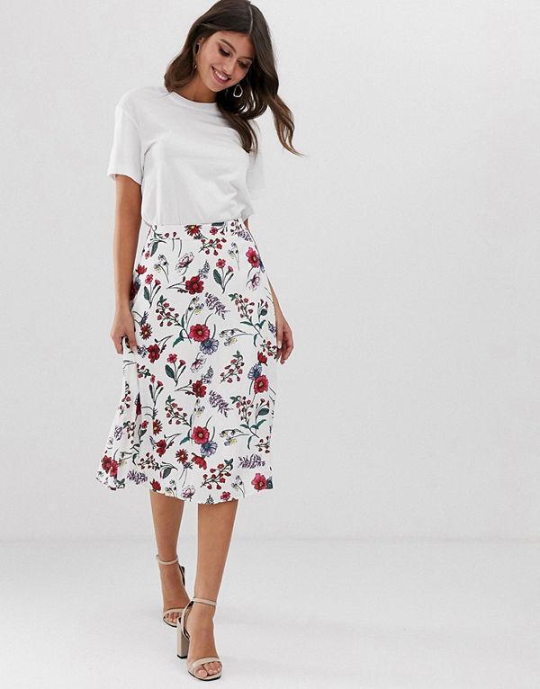Vila Blommig kjol med asymmetrisk fåll White based floral
