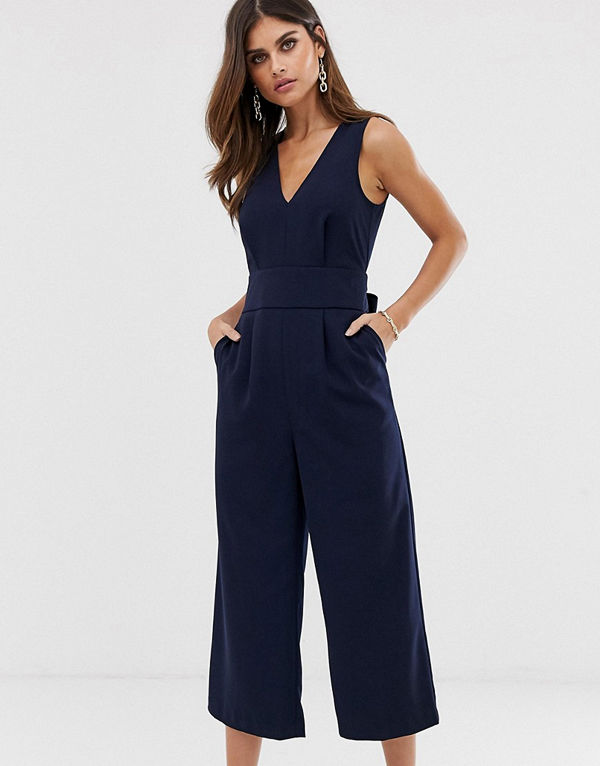 Warehouse Mörkblå jumpsuit med bar rygg