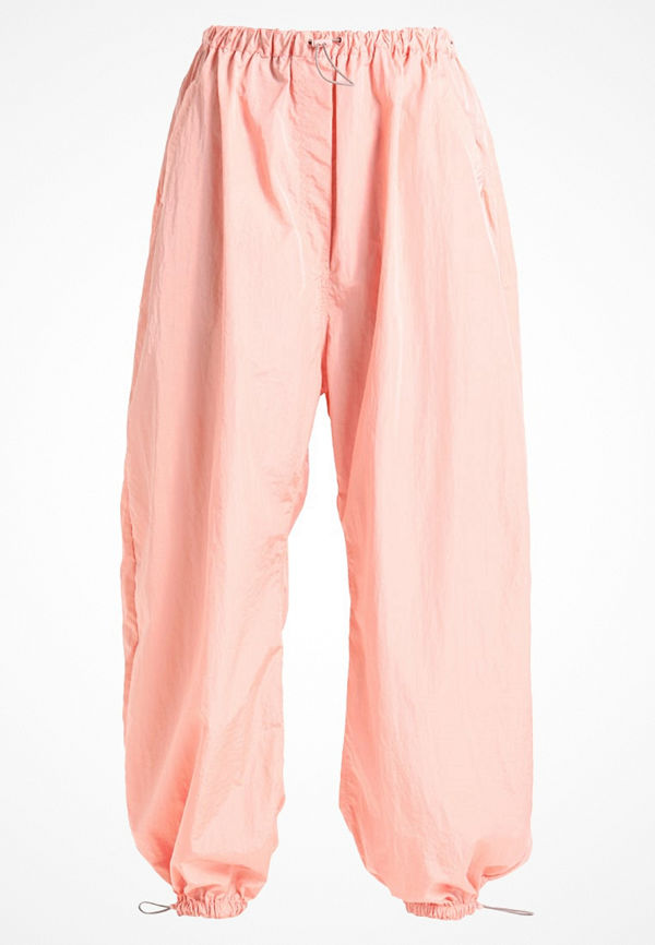 Weekday MARTIAN TROUSER LIMITED EDITION Tygbyxor pink cremefärgade