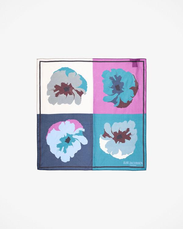 Ilse Jacobsen Popp scarfs