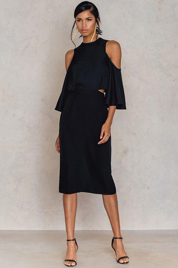 NA-KD Cut Out Tied Neck Dress svart