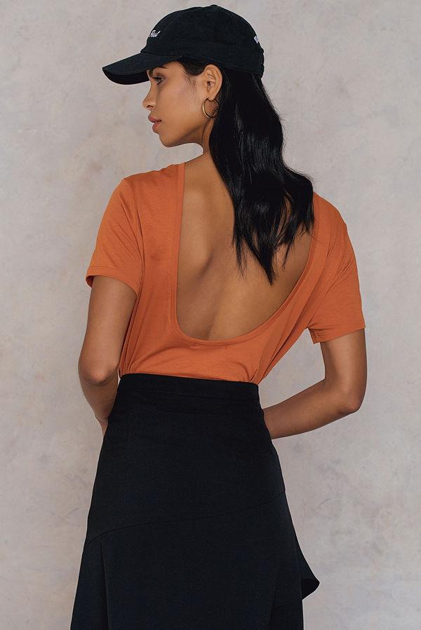 NA-KD Deep Back Tee orange