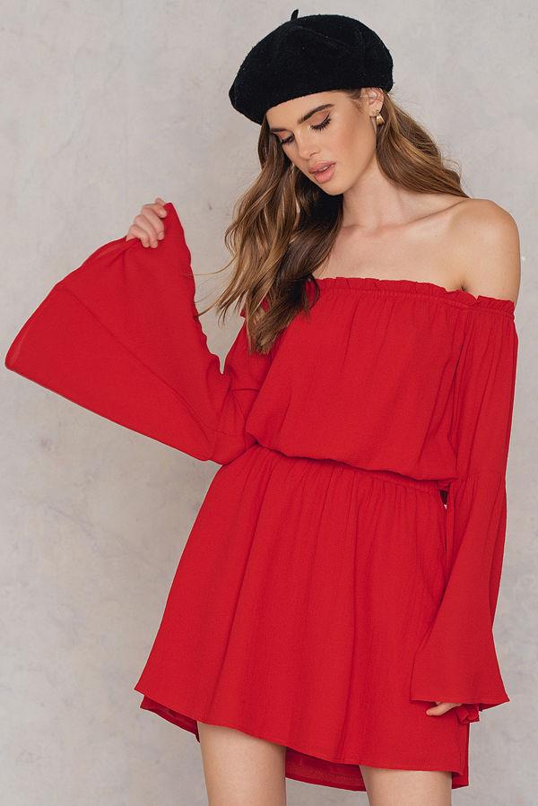 NA-KD Boho Wide Sleeve Off Shoulder Dress röd