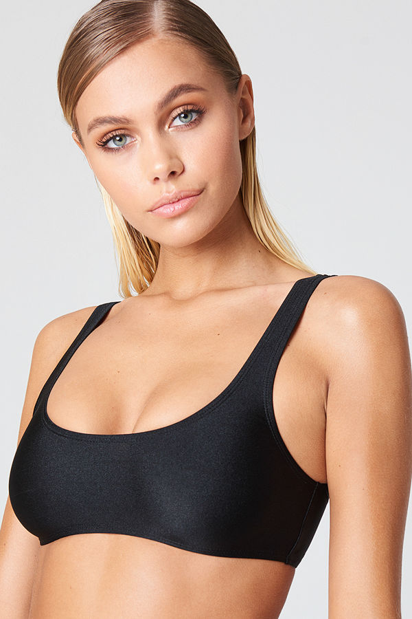 NA-KD Swimwear Bikiniöverdel svart