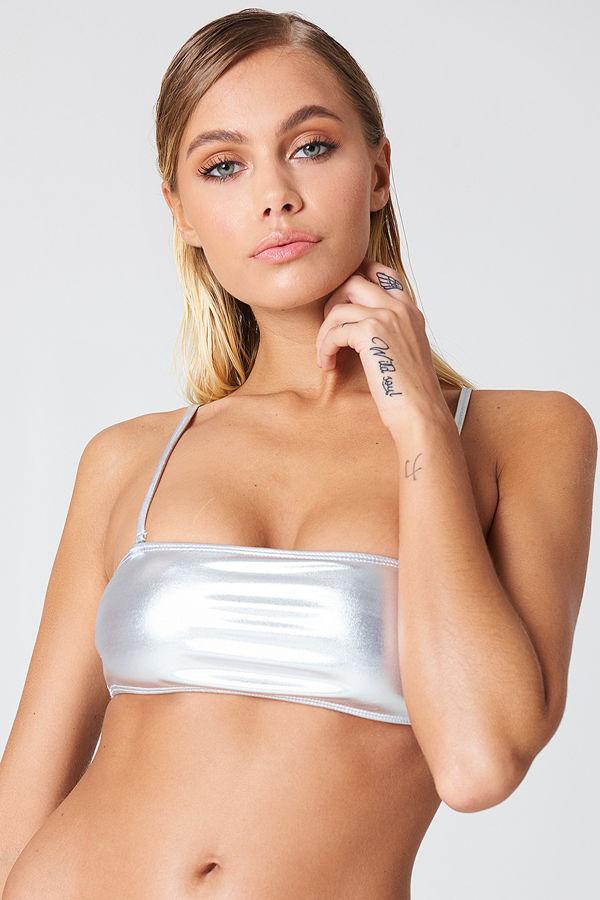 NA-KD Swimwear Metallic Bandeau Bikini Top silver