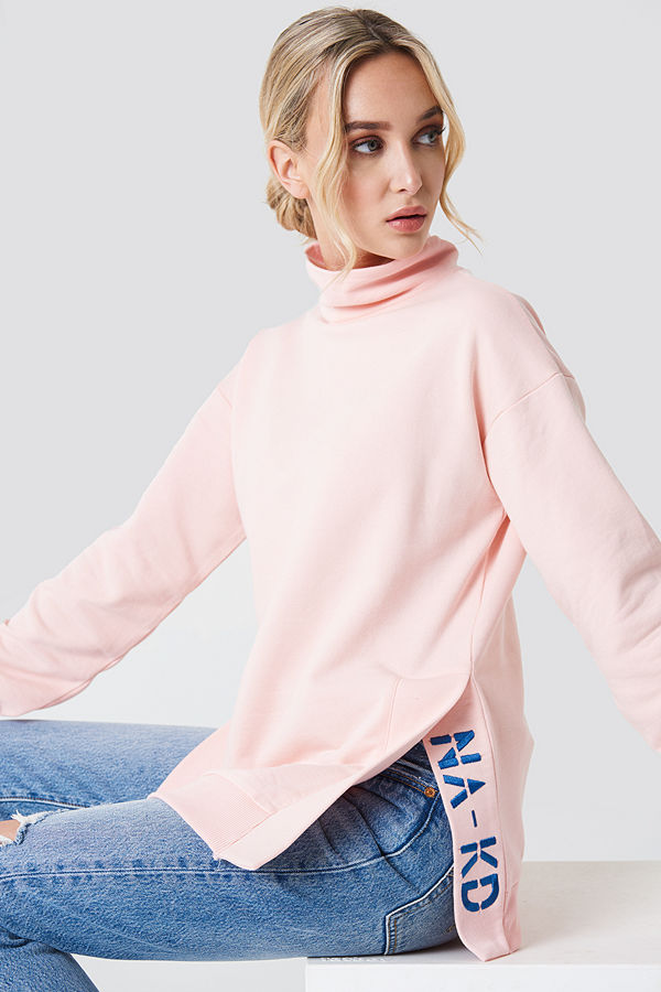 NA-KD Slit Embroidery Sweatshirt rosa