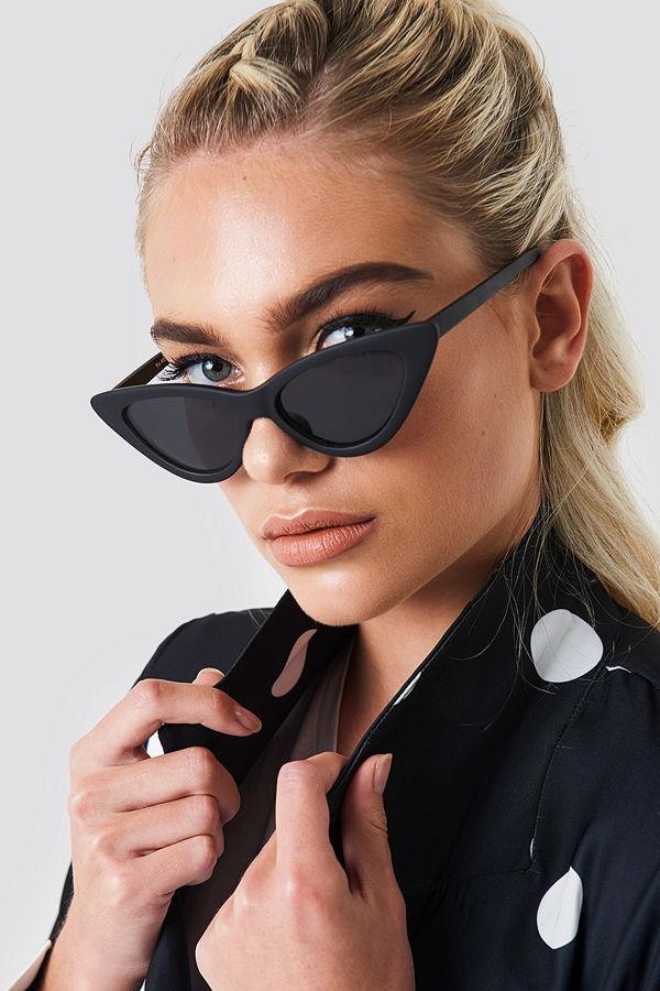 997d7ee12da2 NA-KD Accessories Pointy Cat Eye Sunglasses svart - Solglasögon ...
