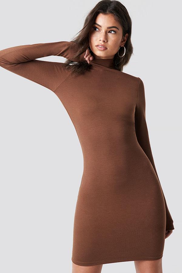 Nicki x NA-KD High Neck Bodycon Dress brun